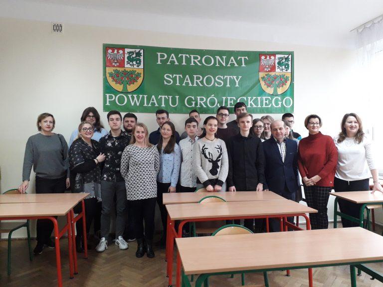 Międzyszkolny Konkurs Wiedzy o Krajach Anglojęzycznych rozstrzygnięty. Sukces naszego Ucznia!
