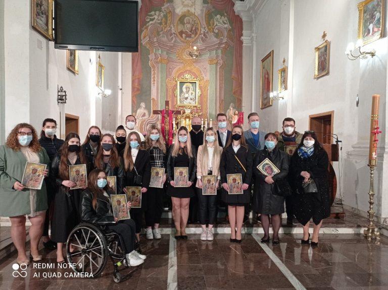 Pielgrzymka maturzystów do Łęczeszyc